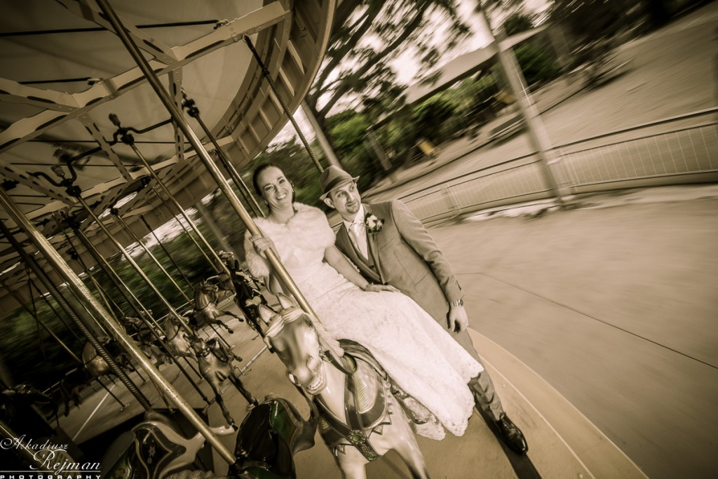 Melbourne ZOO carousel with bride and groom